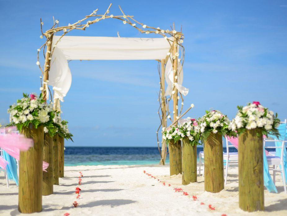 beach-blue-sky-chairs-decor-169203